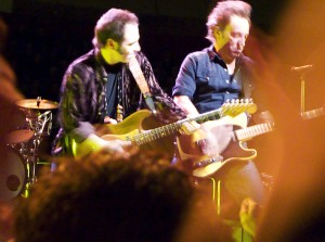 Nils Lofgren and Bruce Springsteen at Globen, Stockholm, december 10th 2007.
